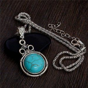 Jewelry - NWOT Vintage Synthetic Turquoise Pendant